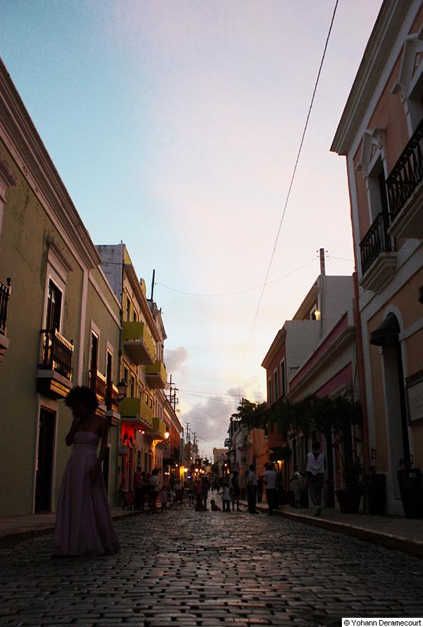 Calle-de-noche-en-el-Viejo-San-Juan_40-50